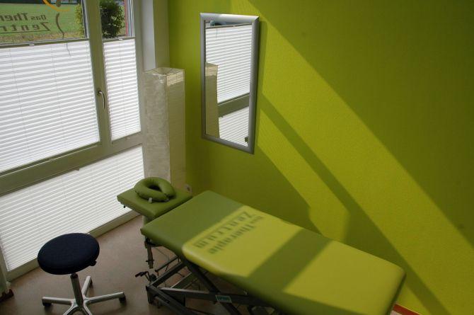 praxis-behandlungsraum-ergotherapie-logopaedie