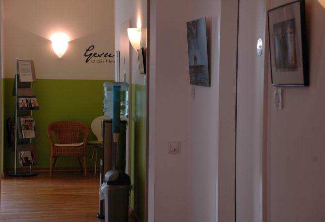 therapiezentrum-wiesbaden-delkenheim-kirchenstueck-behandlungsraeume